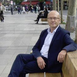 Picture of Professor Clive Thomson