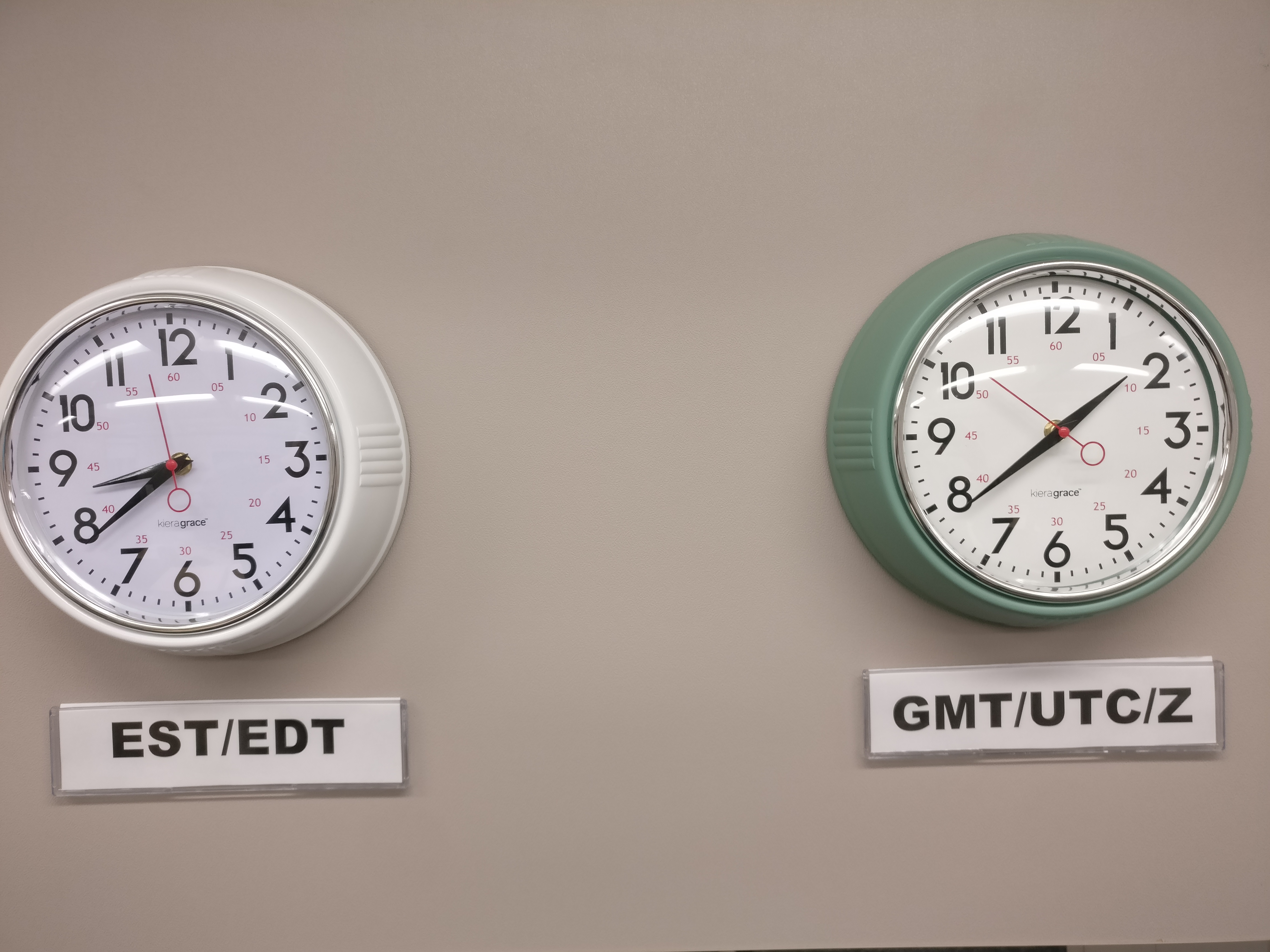 SOC Wall Clocks in EST/EDT and GMT/UTC/Z timezone.