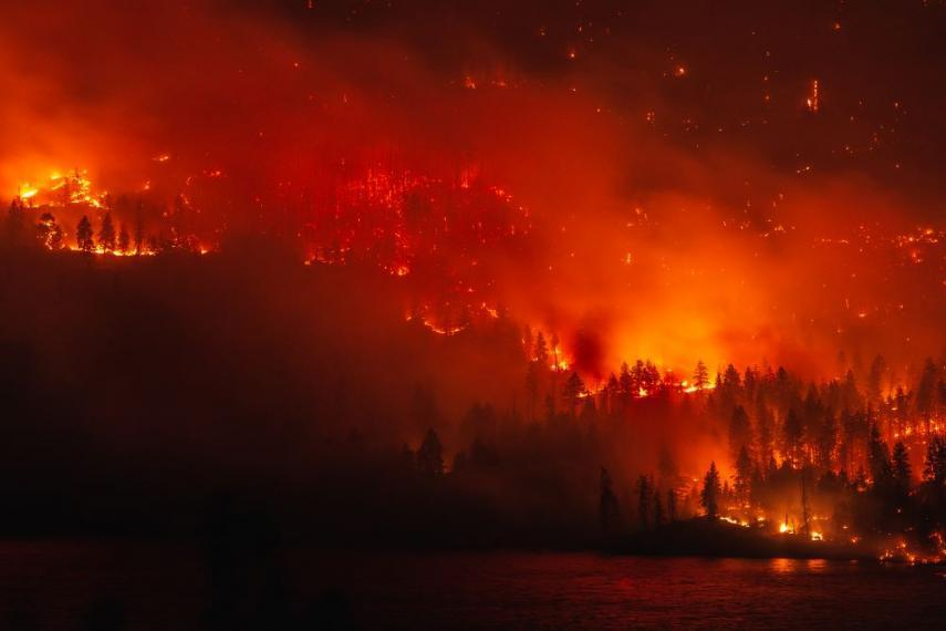 Image showing a wildfire in British Columbia.