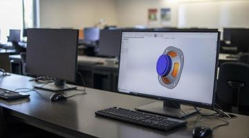 Image of Solidworks program being run on computer in lab at U of G