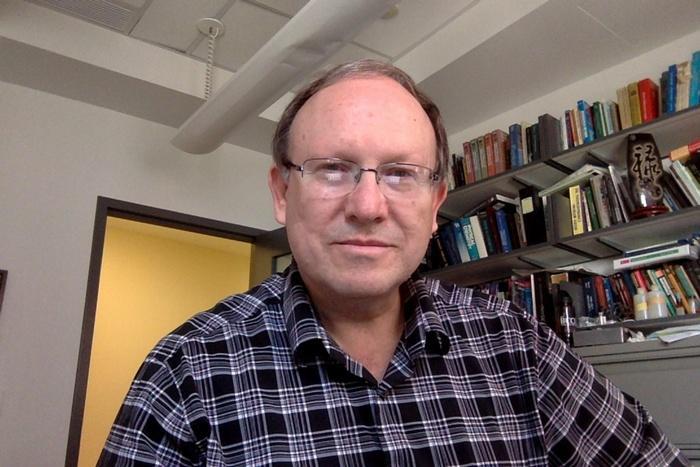 Prof Thomas