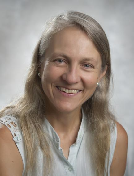 Dr. Fernanda Peyronel (Svaikauskas)