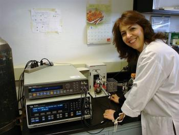 Azadeh Namvar working on PhD research in lab developing mycotoxin sensor