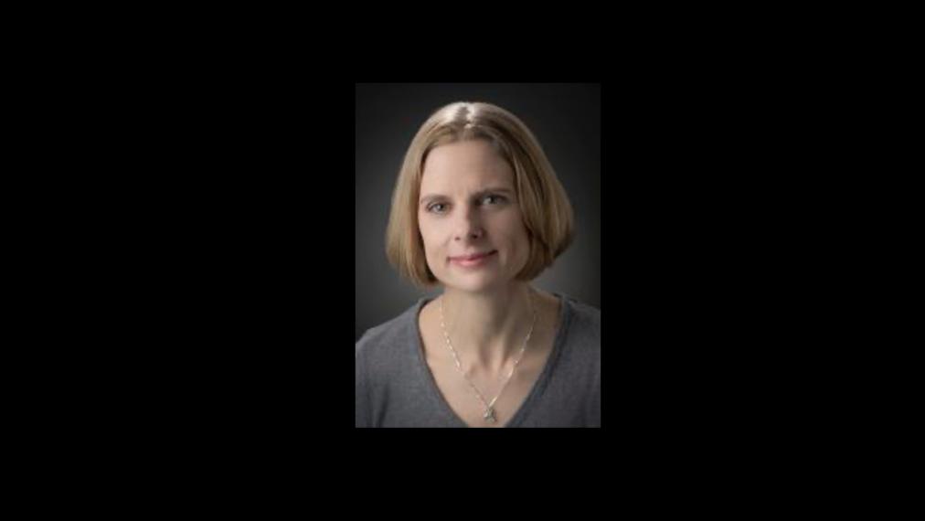 A photograph of Dr. Lindsay Robinson