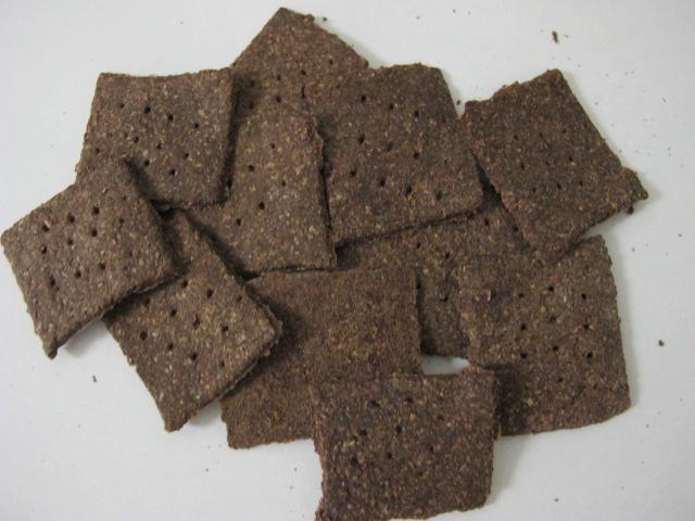 Purple wheat crackers
