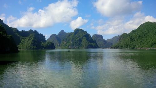 Halong Bay - Islands
