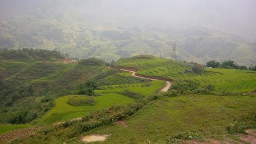 Sapa - Up the mountain road