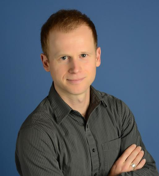 Headshot photo of Scott Krayenhoff