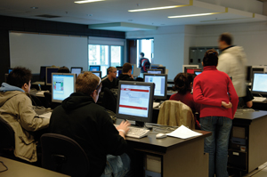 Guelph students in computer lab